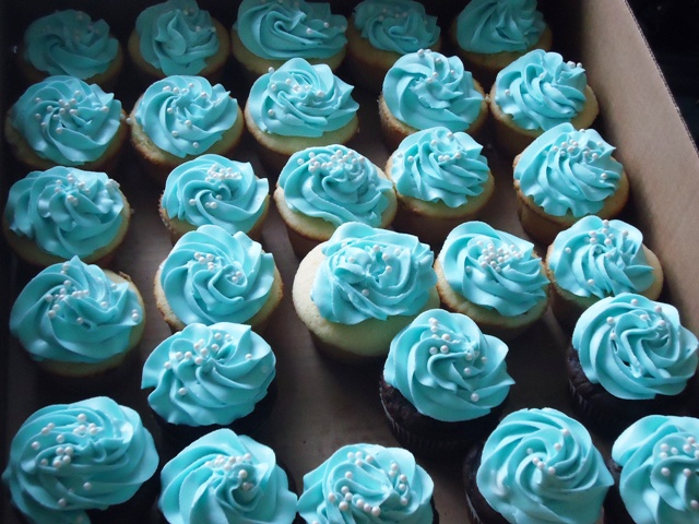 go back gallery for blue baby shower cupcakes