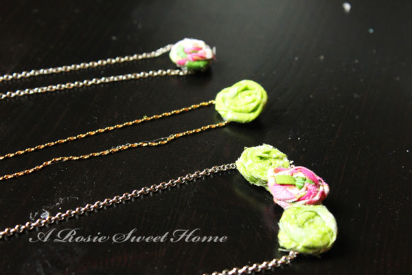 Minnie rosette necklaces