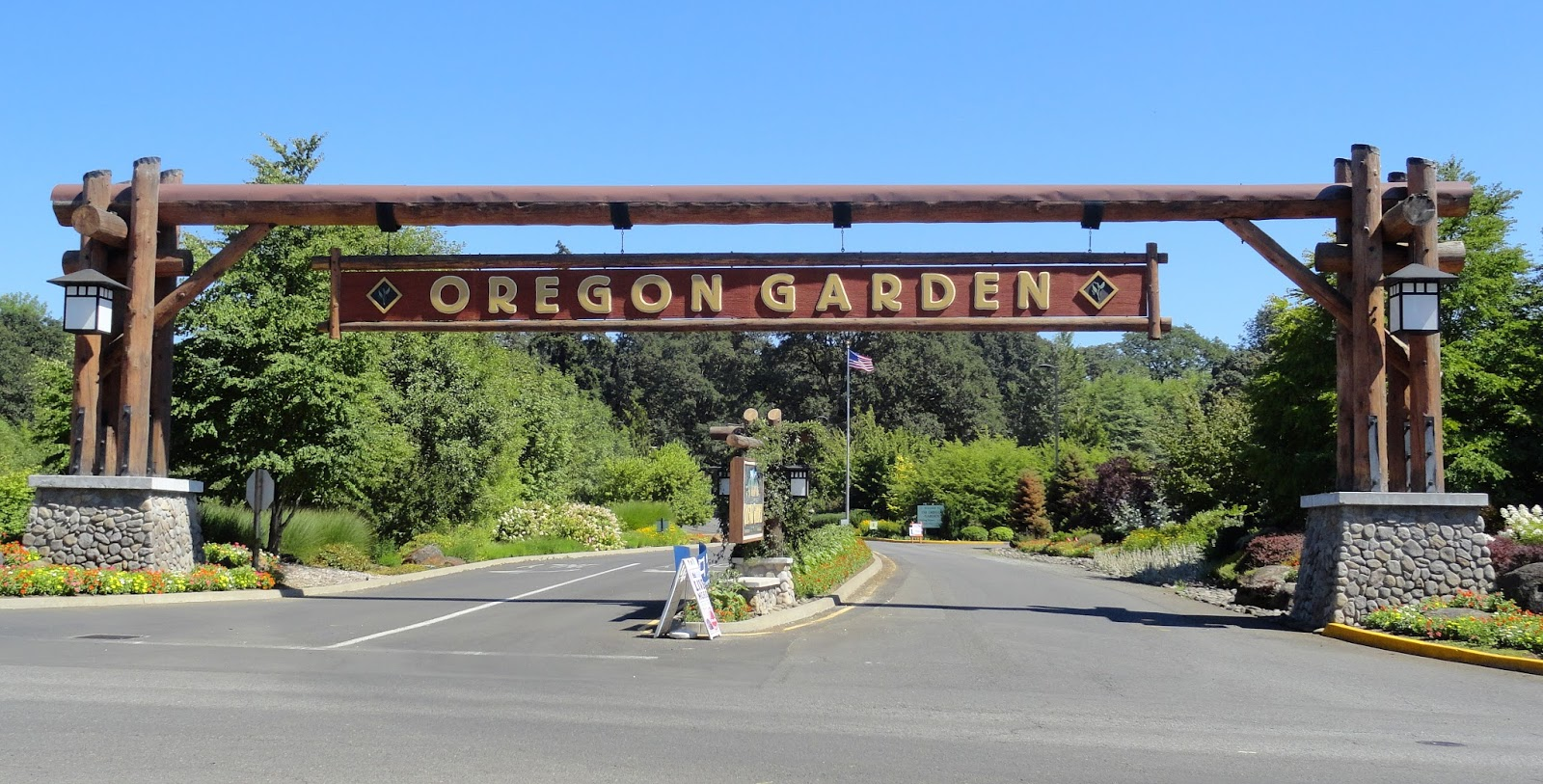 the oregon garden my adopted home state kicks fanny as far as the horticultural industry is concerned i believe were 3rd in the nation - The Oregon Garden