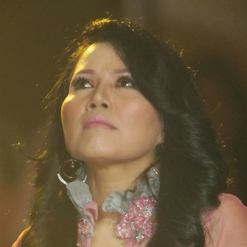 Koleksi Hits Lagu Rita Sugiarto
