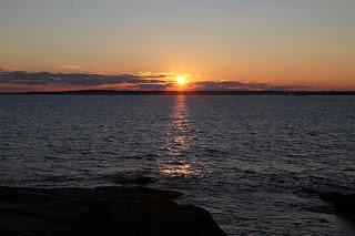 http://1.bp.blogspot.com/-TxMclBYFhsc/VoslV_TjFYI/AAAAAAAAIw8/NLd4pNGWt8o/s320/sunsetnewyear.jpg