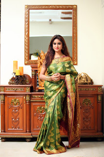 Sony Charista looks stunning homely girl in Green Saree Red Choli Stunning