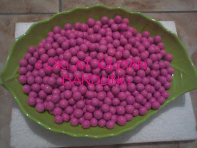 Coklat Kiloan Murah - choco balls mini pink ( L'AGIE)