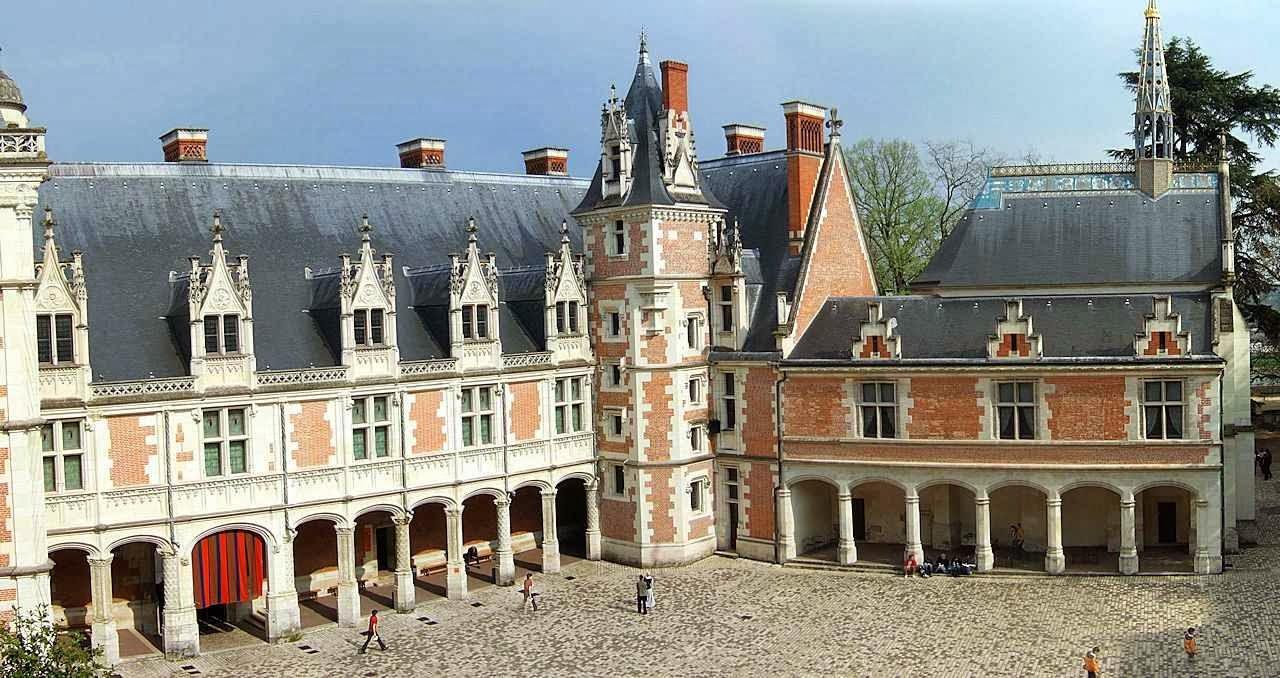 Pavilhão renacentista-medieval