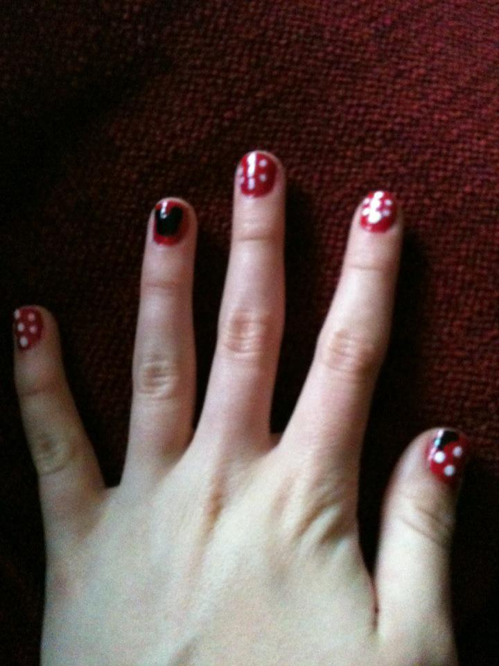 Manicureme Mickey And Minnie Mouse Nail Design