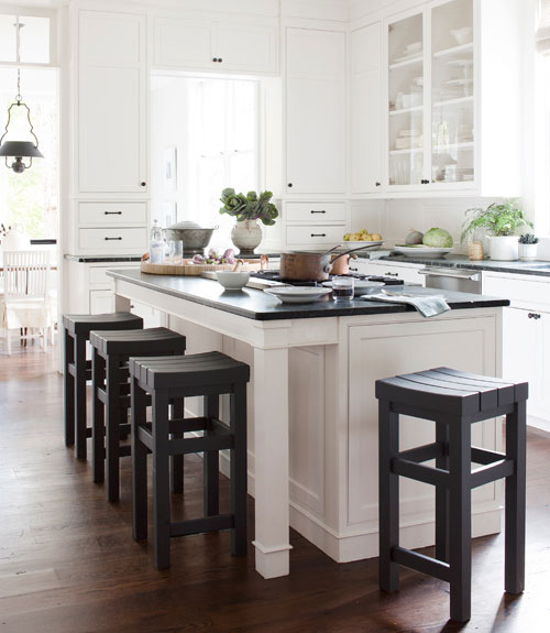 25 Beautiful Black And White Kitchens