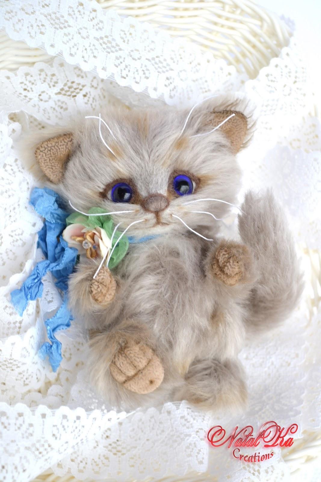 Авторский котенок, кот тедди, мишка тедди, авторская игрушка, ручная работа от NatalKa Creations. Artist teddy kitty, teddy bear, artist cat, ooak, jointed, teddies with charm, handmade by NatalKa Creations. Künstlerteddy Kätzchen, Katze, Künstlerbär, Teddybär, Unikat, Mohair, handgemacht von NatalKa Creations.