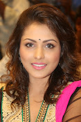 Madhu Shalini gorgeous looking photos-thumbnail-6