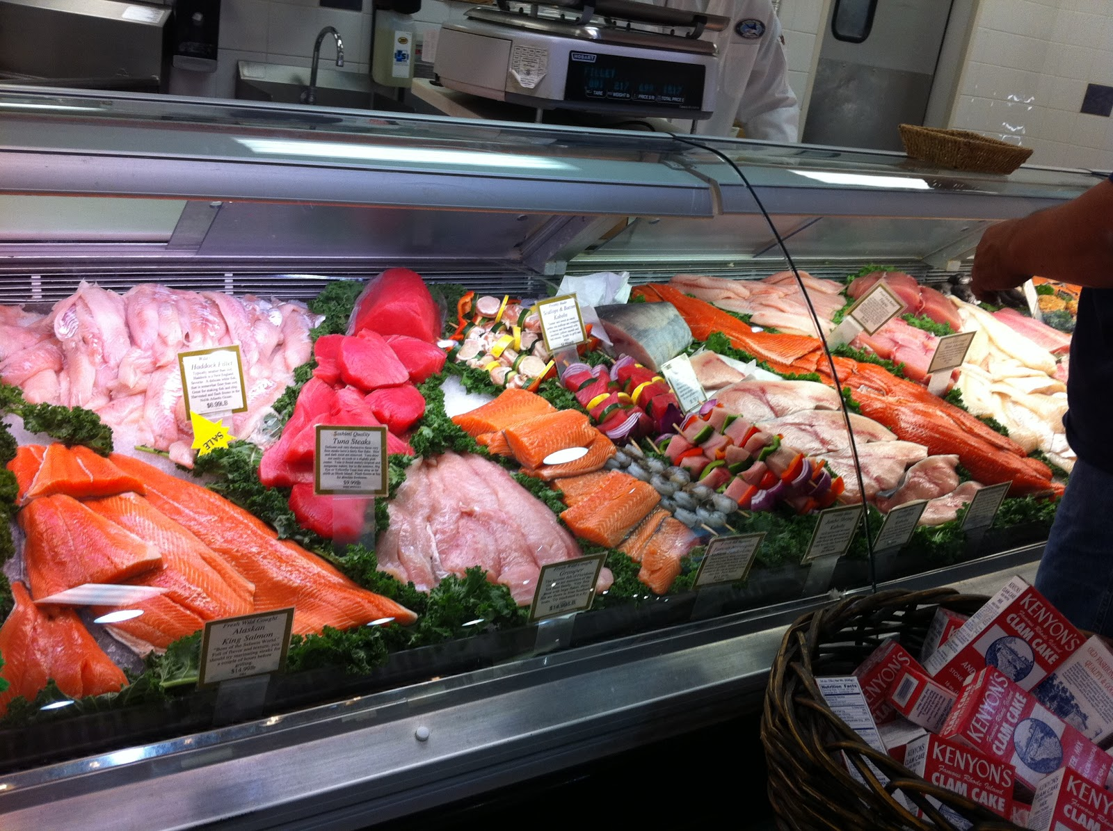 In between mornings 103 friday for Fresh fish store near me