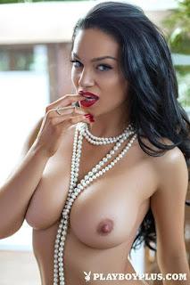 Hot Girl Naked - rs-315467_main-724941.jpg