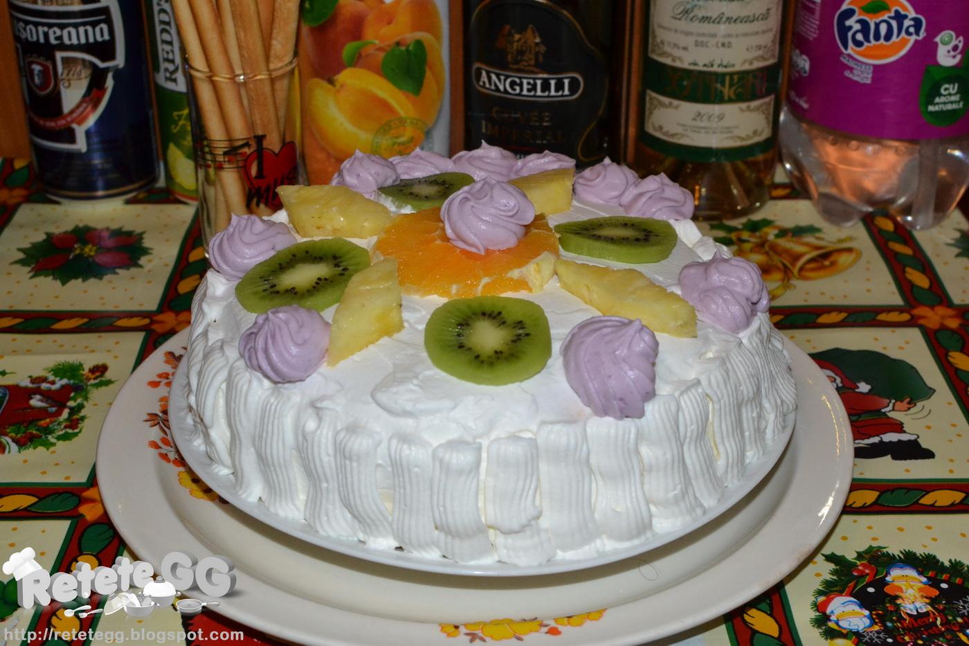 De Forme Si Figurine Din Fructe  Sau Putem Alege Un Model Simplu Si