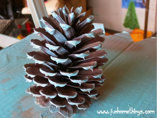 Fun home things for Things to make with fir cones