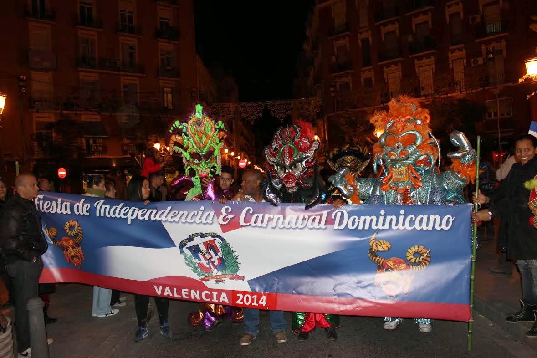 CELEBRAN INDEPENDENCIA Y DESFILE DEL CARNAVAL DOMINICANO EN VALENCIA