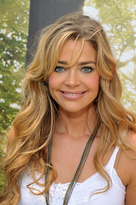 Denise Richards American Actress and Model HQ Wallpaper-800x600-87