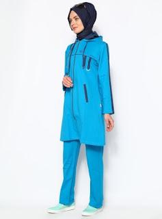 Model pakaian olahraga edisi warna biru untuk wanita muslim masa kini
