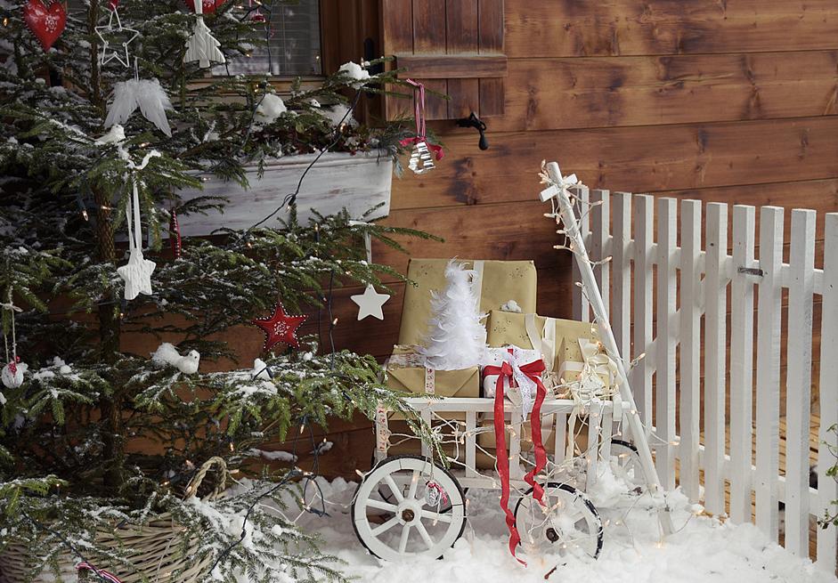 Weihnachtszauber im garten white and vintage for Weihnachtsdeko terrasse