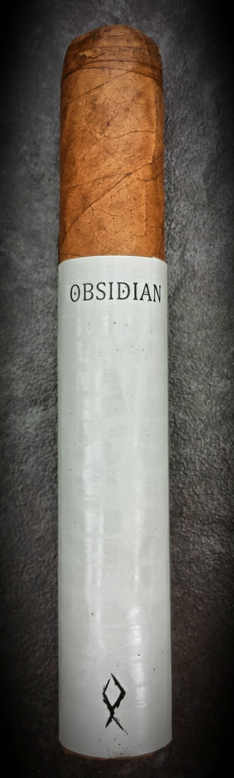 Obsidian White Noise Robusto Cigar