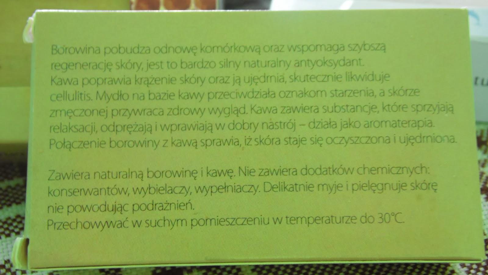 Moje mydła naturalne - powrót do natury w 100% Cześć! Ostatnio przyszła do mnie przesyłka wypełniona ośmioma mydłami z firmy www.powrotdonaturyeu , które są wykonane w 100% z naturalnych składników, bez konserwantów ani różnych innych dodatków o niewiadomych pochodzeniu i nazwie.  Jak sama nazwa firmy wskazuje 'Powrót do natury', mydła są produkowane jako jedyne w Polsce od podstaw i tylko z naturalnych składników, aby utożsamiać się z naturą i poczuć w pełni te szczęście jakie nas otacza po pójściu nad rzekę, jezioro, w góry, na mazury.  A o to 8 mydeł które do mnie przyszły: 1. Mydło hipoalergiczne 2. Mydło dla dzieci 3. Mydło z woskiem pszczelim 4. Mydło z bursztynem 5. Mydło z borowiną 6. Mydło z borowiną i kawą 7. Mydło z borowiną i bursztynem 8. Mydło z błotem z Morza Martwego Każdy ze składników mydeł ma inne właściwości zdrowotne oraz regenerujące dla naszej skóry.  Szczególnie przypadło mi do gustu mydło z borowiną i kawą, które ma poprawić krążenie skóry oraz jej ujędrnienie dzięki zawartej  w mydle kawie. A dodatek borowiny sprawia, że skóra staje się dodatkowo oczyszczona, a także jest chroniona przed szkodliwym działaniem wolnych rodników.    Jak dla mnie bomba!  Aby dowiedzieć się więcej o mydłach warto wejść na www.powrotdonatury.eu lub facebooka https://www.facebook.com/mydlarniapowrotdonatury