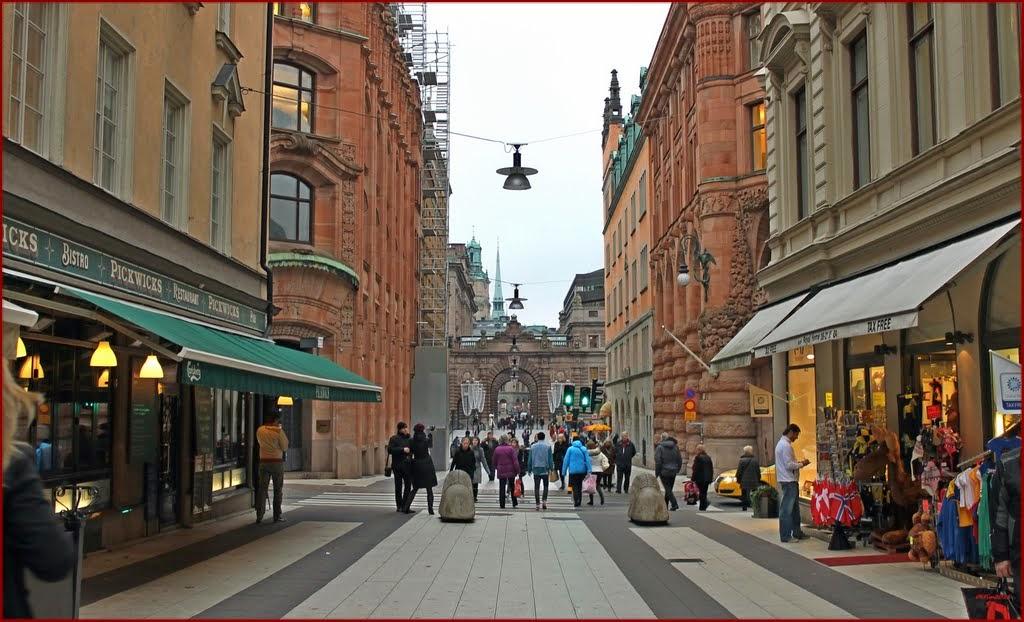 drottninggatan stockholm butiker