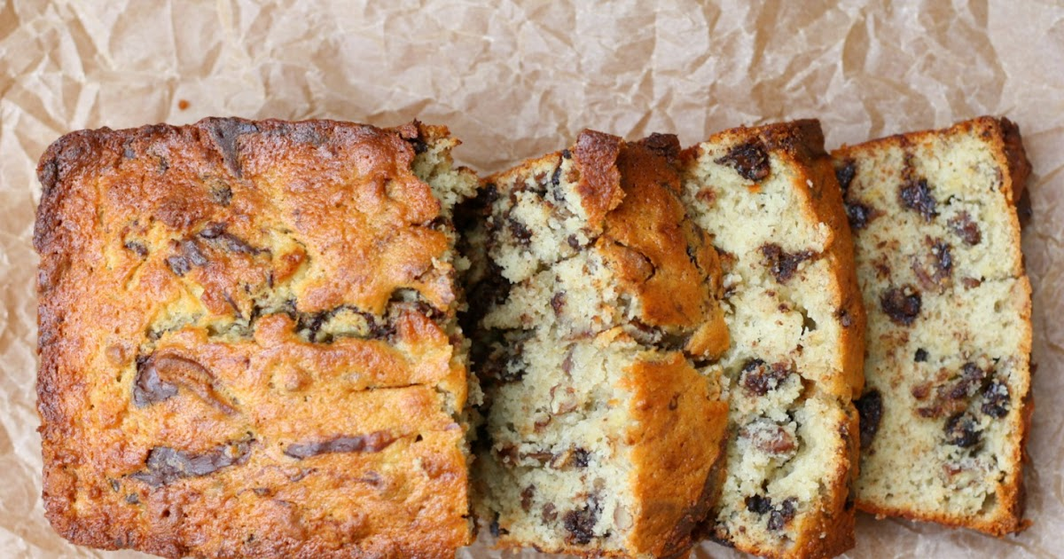 A Bitchin' Kitchen: Bourbon Banana Bread with Pecans and ...