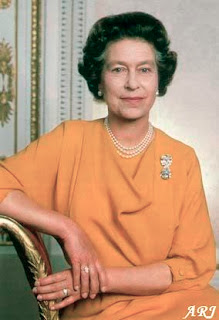 Queen Elizabeth wearing the Cullinan IX Ring