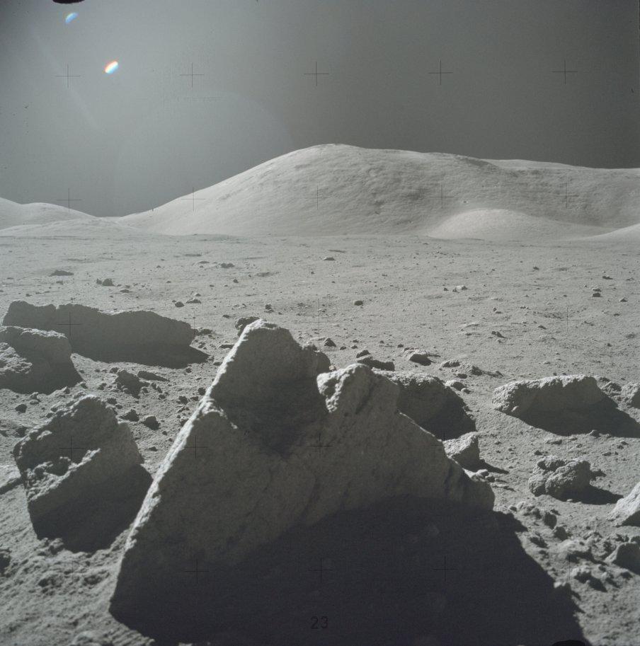 Звездные врата на луне фото