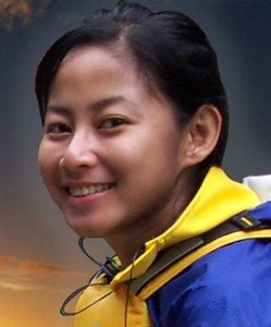 Riyanni Djangkaru-Presenter Jejak Petualang
