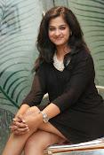 Nandita raj sizzling pics in black-thumbnail-4