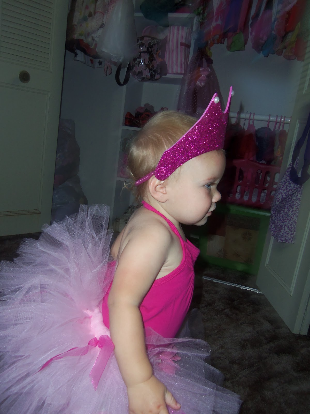 "toddlers in tiara arument analysis Toddlers in tiara arument analysis essay susan krise prof j purtell english composition ii 06 october 2014 argument analysis ""toddlers in tiaras,"" an article by skip hollandsworth, gives a glimpse into the world of child beauty pageants."