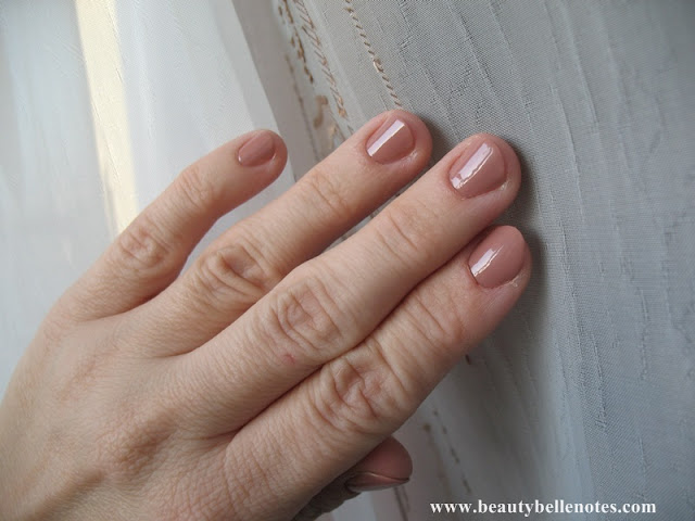 Swatch: Sephora Expert Manicure Nail Polish - 03 Tender Taupe