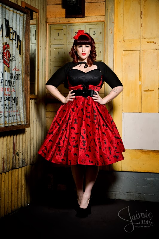 Pin Up Girl Clothing Com Mesmerizing Pinup Curves And Glamour Pinup Girl Style