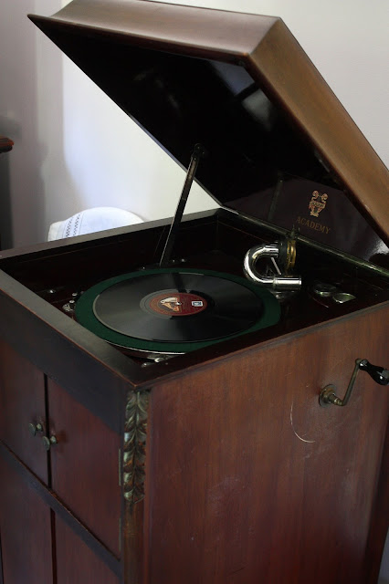 1930s gramophone