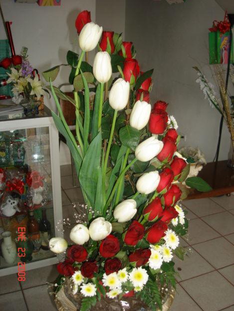 Floreria ivanova for Arreglos florales para boda en jardin
