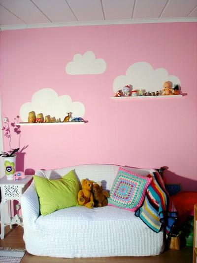 Diy pintar nubes en la pared sobre unas baldas baby deco - Baldas para pared ...