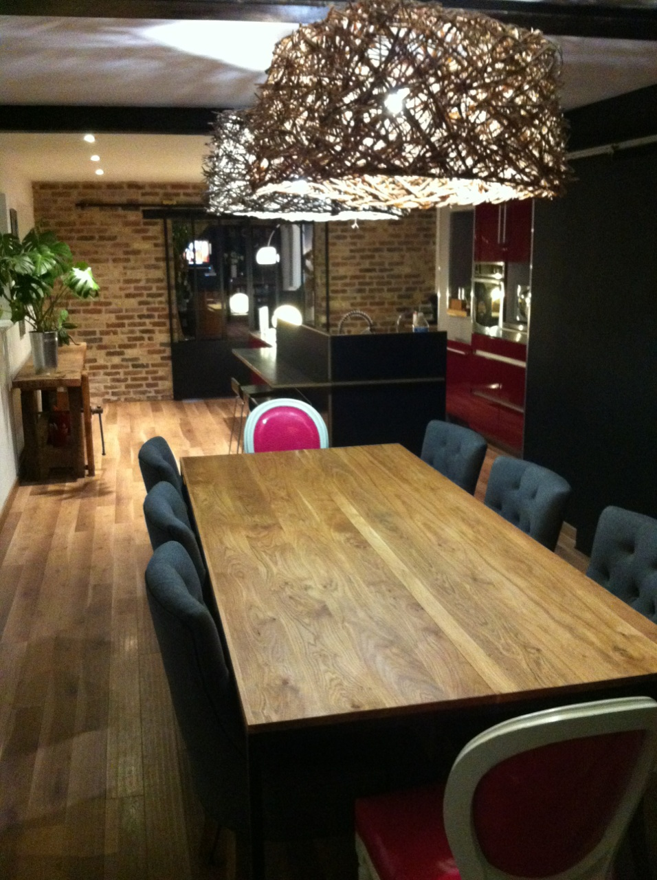 Blog de la maison de l 39 imaginarium l 39 ambiance factory for Table salle a manger sur mesure