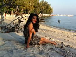 Gambar Anzalna Nasir Seksi Hot Tepi Pantai