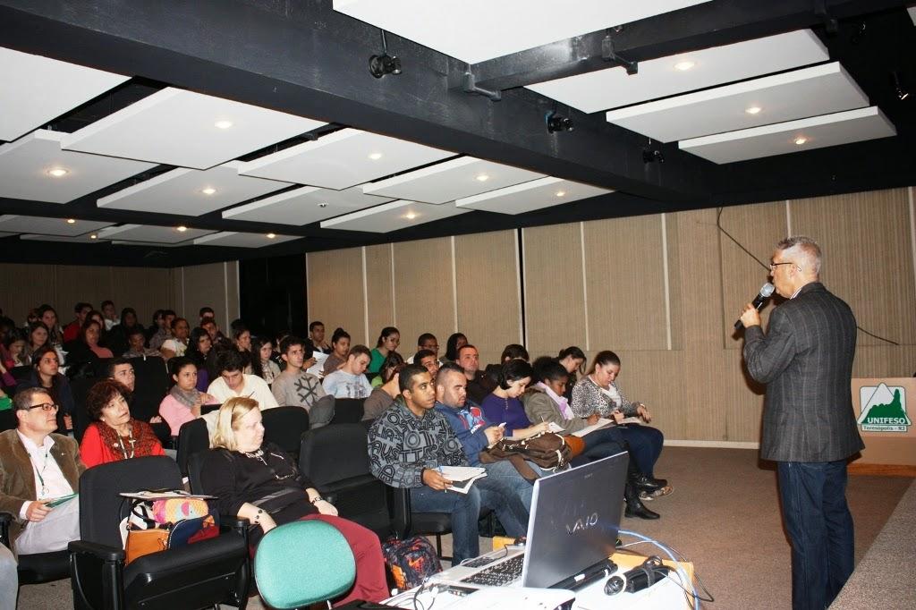 Ex-aluno do UNIFESO fala sobre coaching para estudantes de Administração e Ciências Contábeis