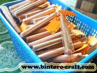 Undangan bambu di wilayah Kasongan, Bantul, Yogyakarta