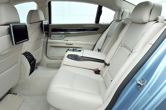 2013 BMW ActiveHybrid 7 Back Interior
