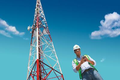 A sus usuarios, que desde el pasado lunes 29 de octubre de 2012, los servicios de envío y recepción de mensajes, así como navegación en dispositivos BlackBerry 2G y 3G, han registrado retrasos asociados al impacto de la tormenta Sandy en la costa este de los Estados Unidos. Ante esta situación que ha afectado a los enlaces en Norteamérica que surten la plataforma de servicios en Latinoamérica, y para garantizar un óptimo servicio en su red de datos durante la contingencia, la compañía invita a sus usuarios de telefonía móvil a: – Hacer uso racional de las llamadas. – Minimizar