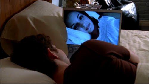 Yatakta resimle yatmak başörtülü kız