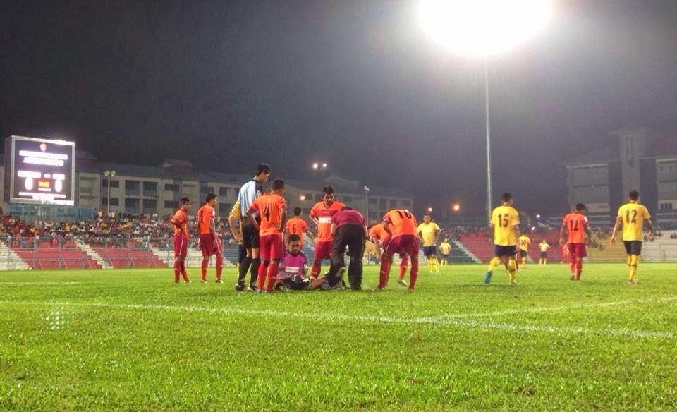 melangkah ke pentas akhir kejohanan bola sepak Piala Emas Raja-Raja