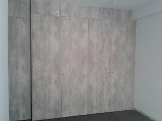 Frente de armario con seis puertas abatibles