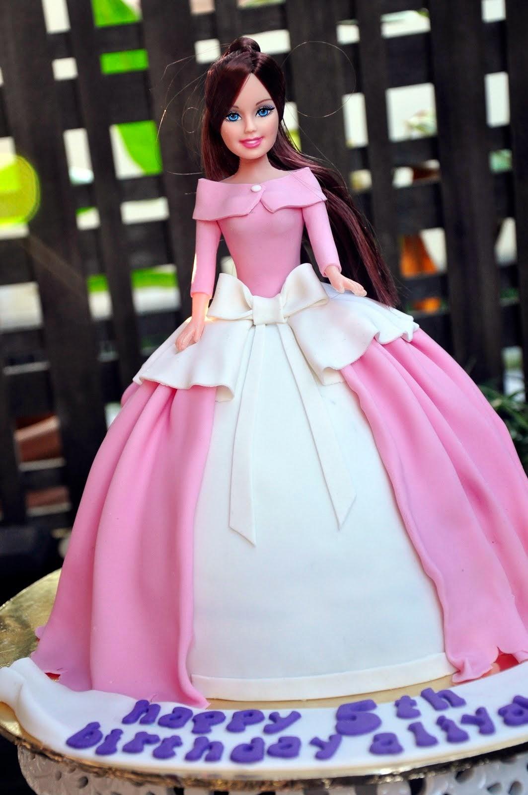 .: Barbie Doll Cake :.