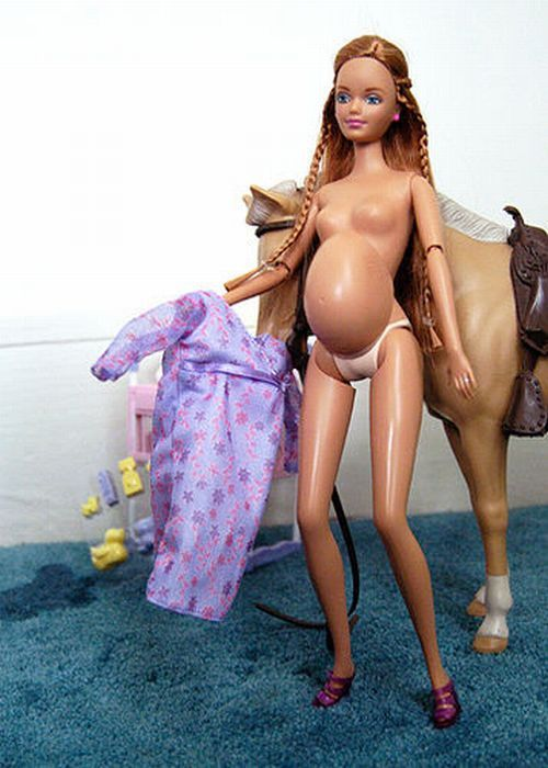 Pregnant Barbie - InsaneTwist