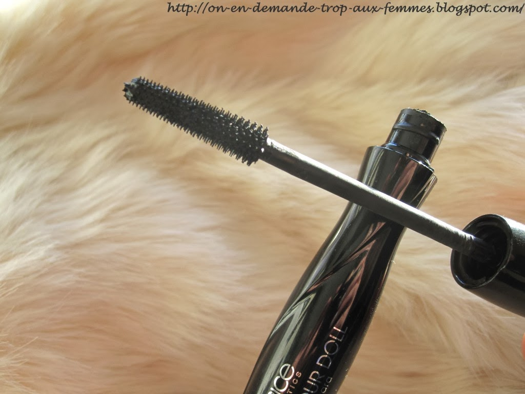 Mascara  volume glamour doll de catrice