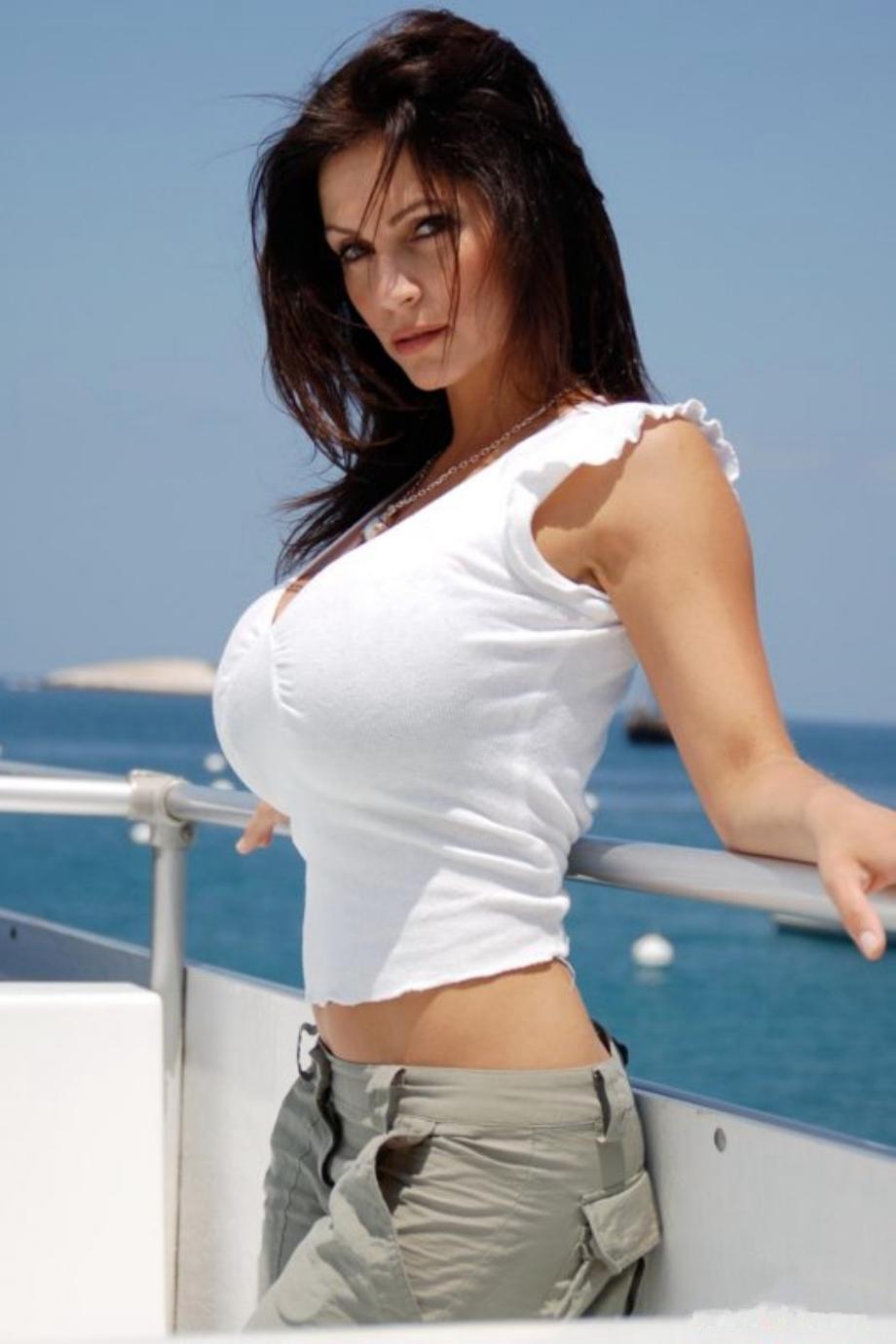 Denise Melani 22