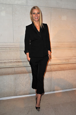http://1.bp.blogspot.com/-U1Roenn-hyg/T4bo6QQZJiI/AAAAAAAAaSk/MX4hDPsMVuI/s1600/Gwyneth+Paltrow+Suits+Pantsuit+xQKJtJH0U-El.jpg