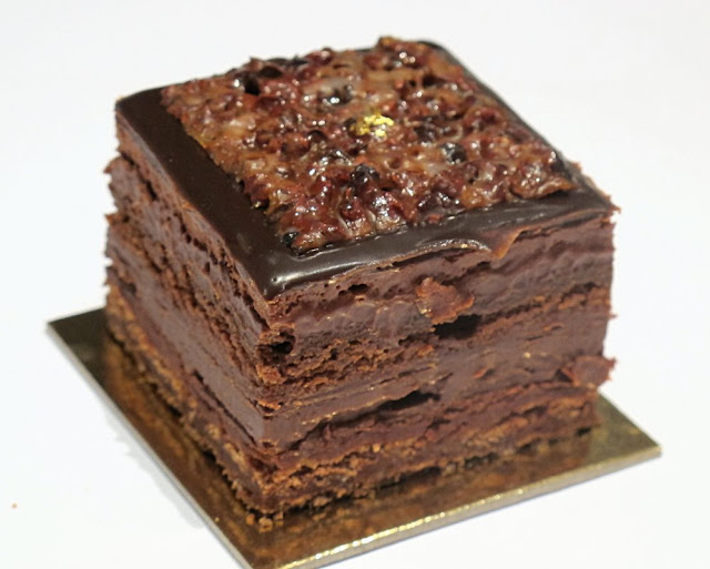 Ladurée - Entremet Carré Chocolat