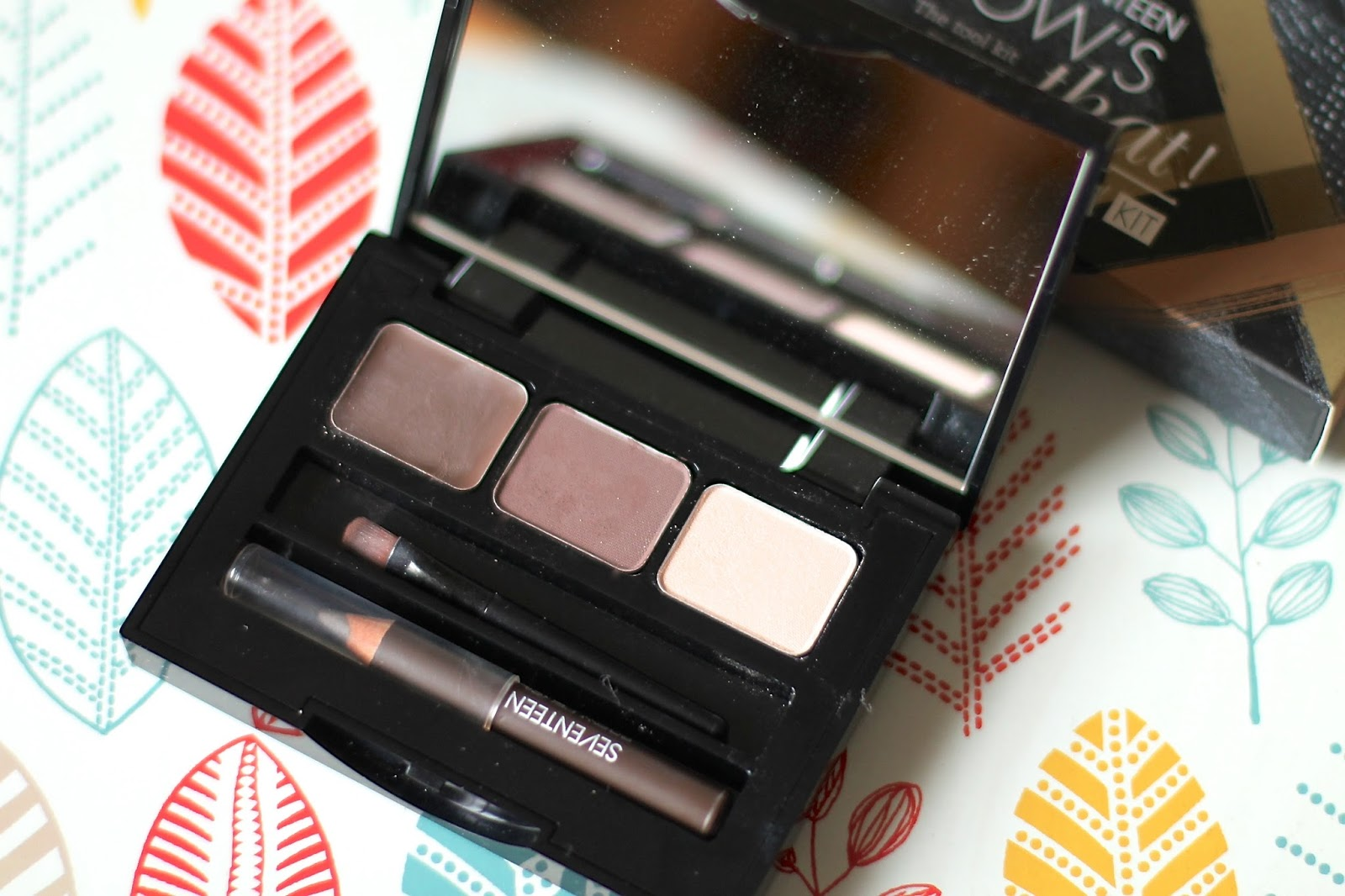 Boots Seventeen Brow's That! Brow Kit review